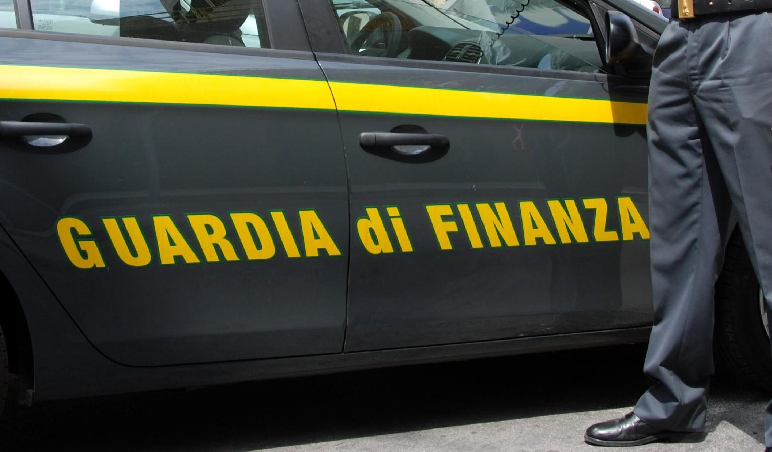 Truffa da 800mila euro: false assunzioni
