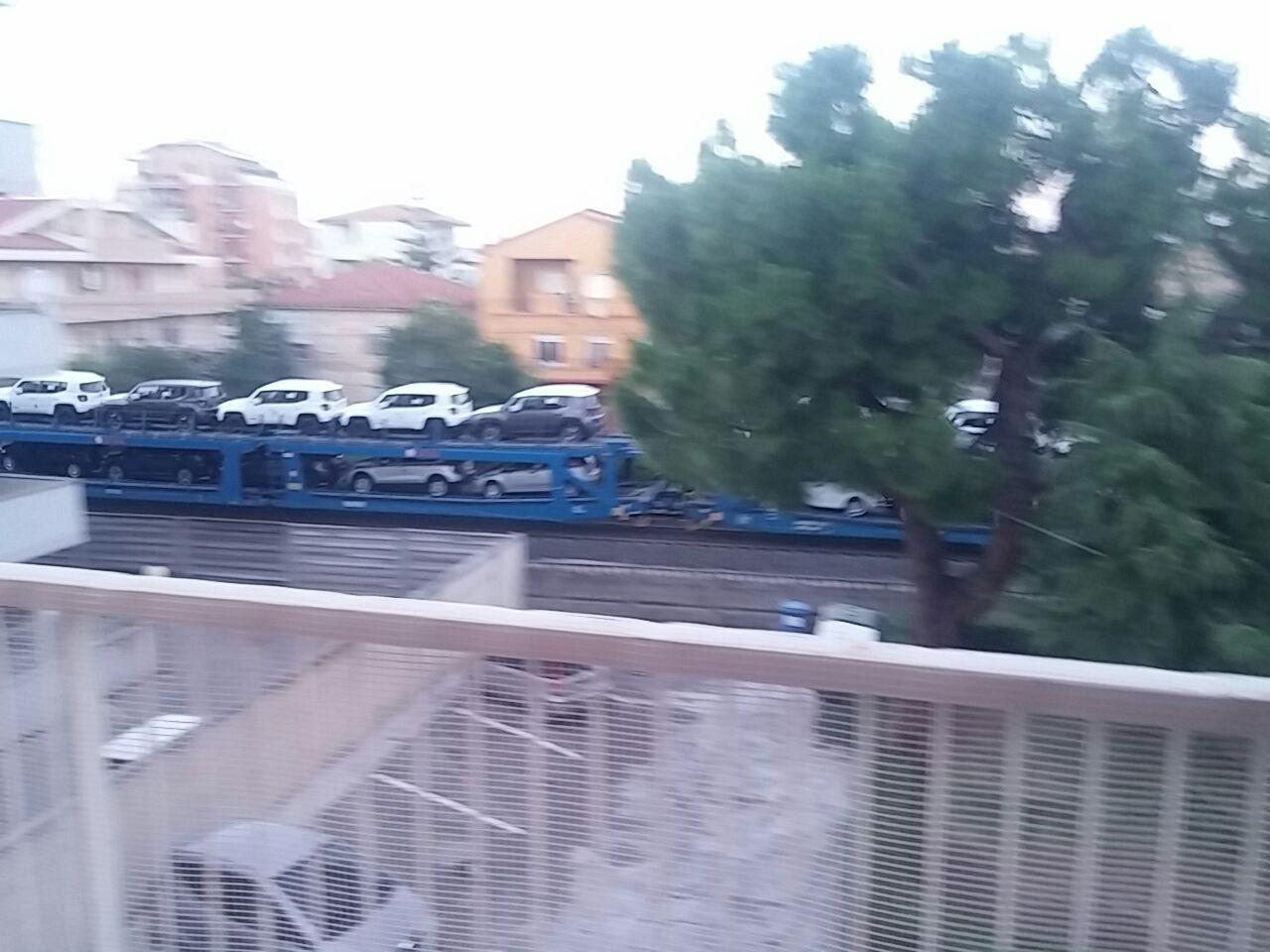 Video. Treni e case. Condannati al rumore e all'inquinamento....